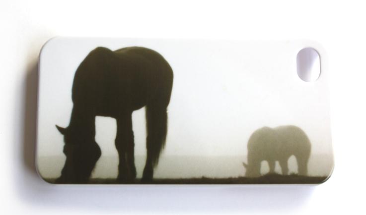 iPhone 4 cover med heste i morgentåge