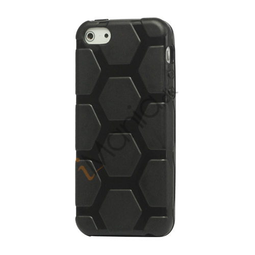 Anti-slip Fodbold Mønster TPU Gel Case iPhone 5 cover - Sort