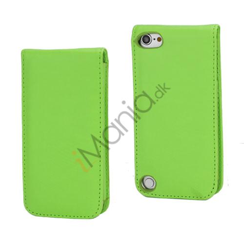 Lodret Magnetisk Flip Læderetui Cover til iPod Touch 5 med Kreditkortholdere - Grøn