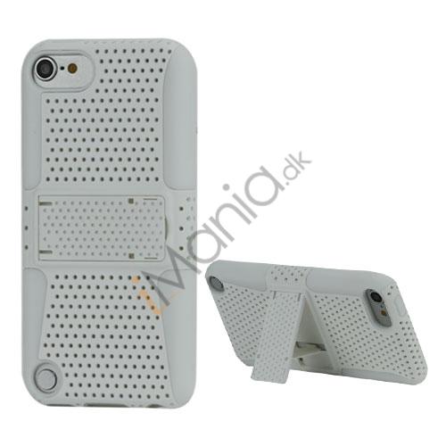 2 i 1 Ventileret Plastik og Silikone Combo Taske med Holder til iPod Touch 5 - Hvid
